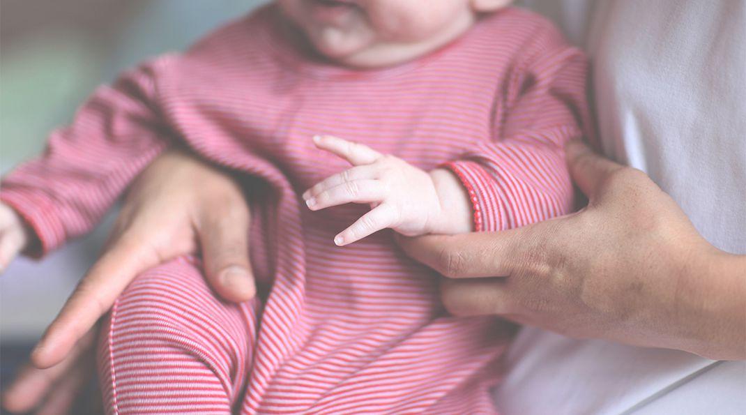 newborn-holding_your_baby-carousel