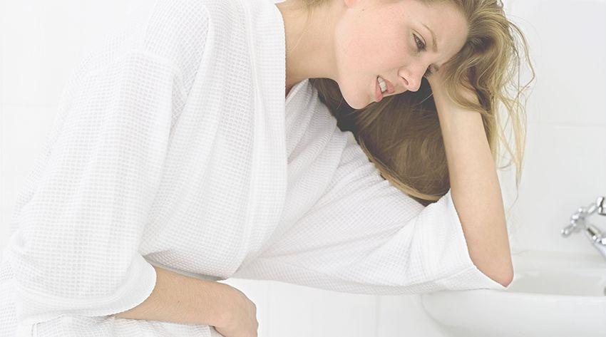 8 weeks pregnant woman feeling nauseous